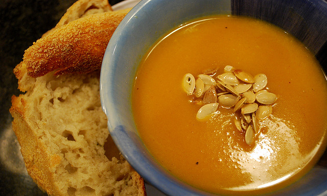 butternut squash soup with pumpkin seeds